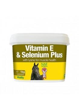 Подкормка для лошади для мышц с селеном Vitamin E & Selenium Plus, NAF 5 Stars